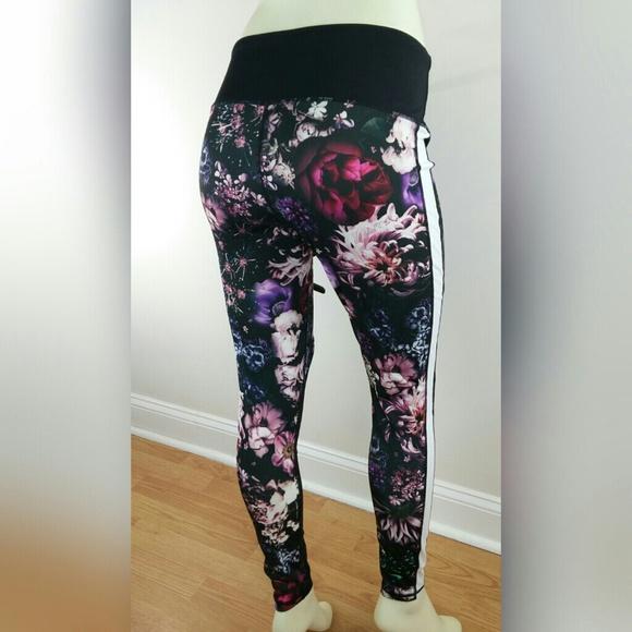 eb0d6de10205 bebe sport floral leggings with striped mesh inser